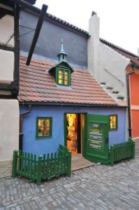 Best things to do in Prague with kids, Golden lane