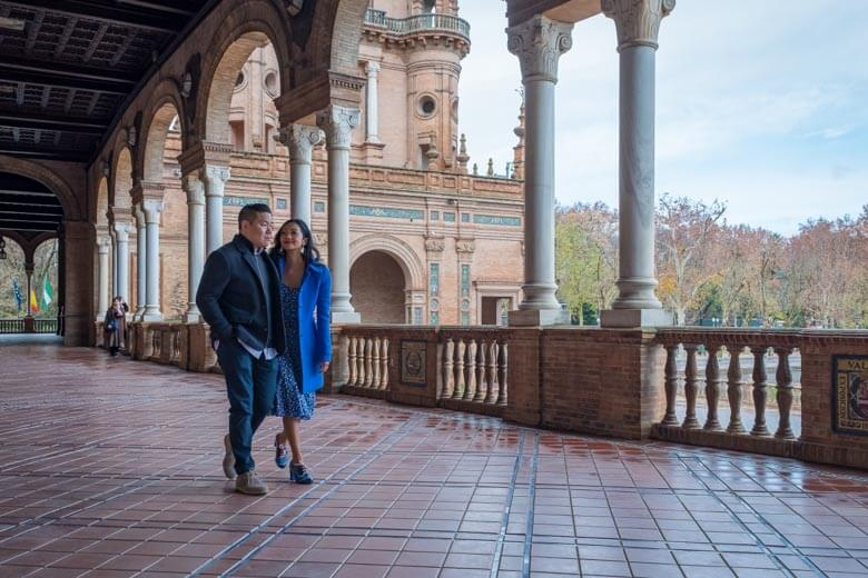 couple vacation photographer in Seville, Spain
