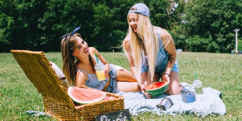 Essentials for Your Fancy Picnic Photo Shoots