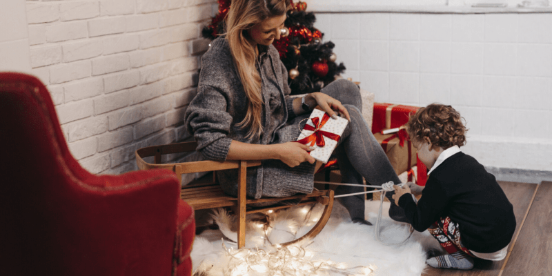 Rustic Christmas Photo Shoot Ideas For Your Family Reunion Localgrapher