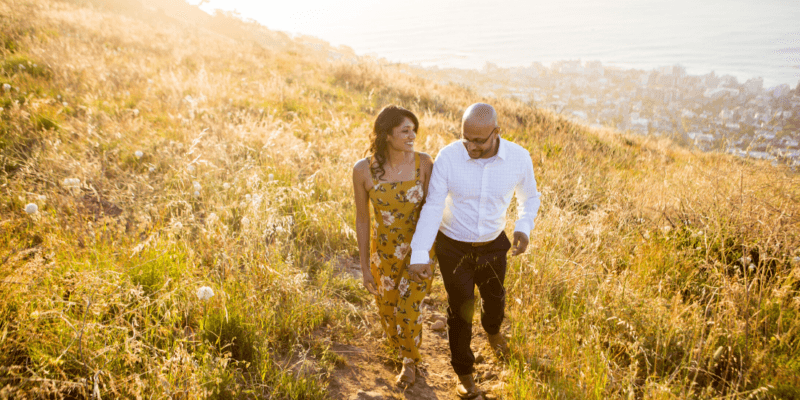 Engagement Photo Poses You Should Try